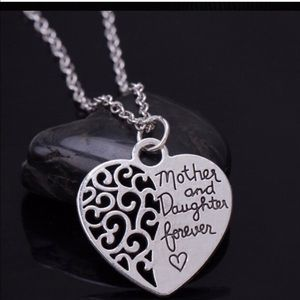 Mother &daughter necklace